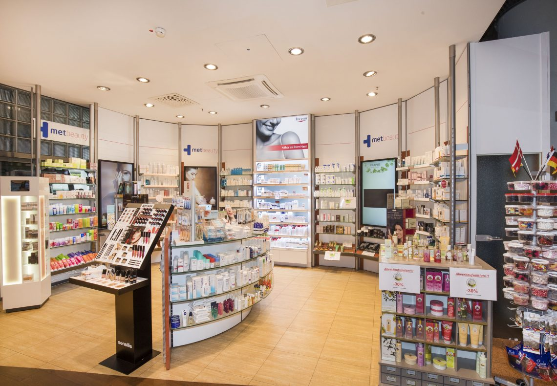 Apotheke_Shopping Mall_Ankunft